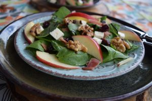 Spinatsalat, Salat, Nüsse, Schwarzwälder Schinken, Blackforestkitchen