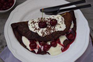 Schokopfannkuchen, Pfannkuchen, Schwarzwälder-Art, Schwarzwälder-Kirsch, Blackforestkitchen