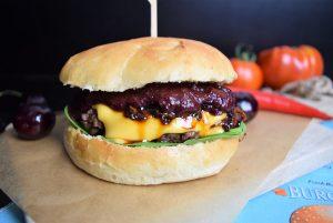 Burger, Hamburger, Fastfood, Herzaft, Kirschen, Burger-Bunns, Blackforestkitchen