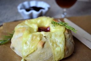 Camembert im Brotteig