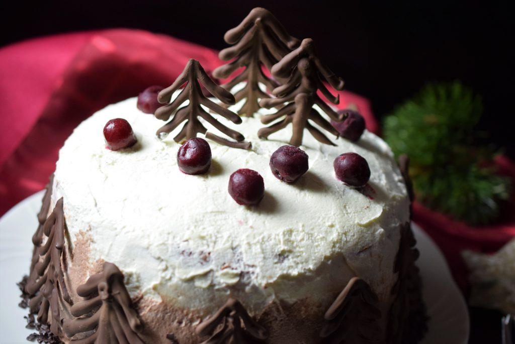 Weihnachtliche Schwarzwälder Kirschtorte