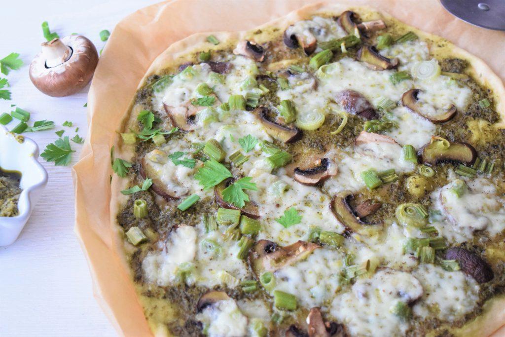 Flammkuchen mit Basilikum Pesto