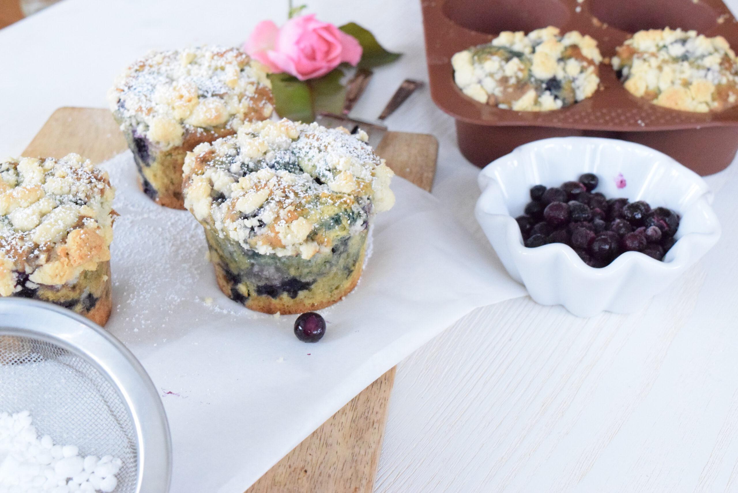 Fluffige Heidelbeermuffins mit Streusel