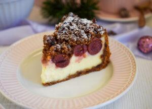 Glühwein-Cheesecake mit Honigstreusel