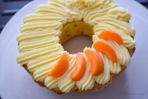Gefüllter Aprikosen-Gugelhupf