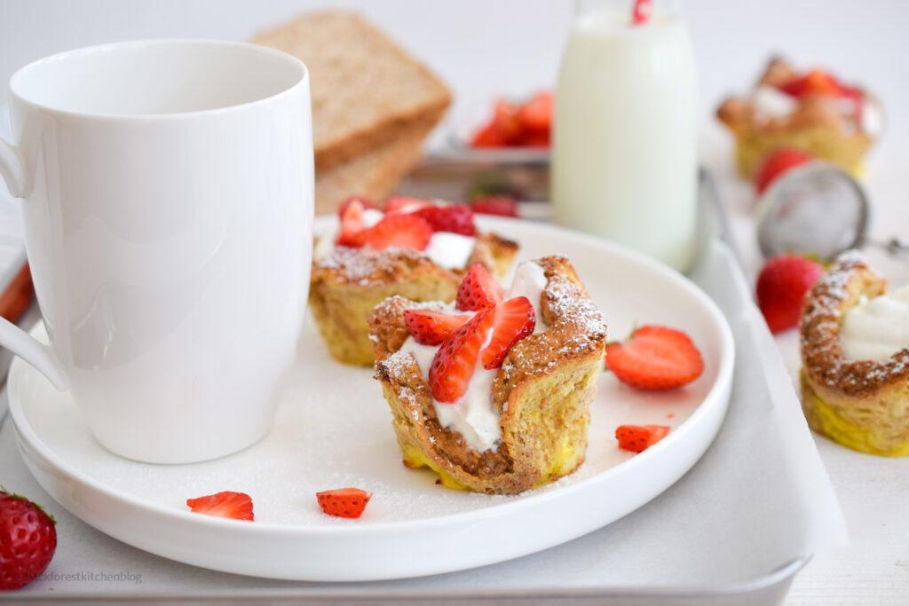 Gefüllte French Toast Cups