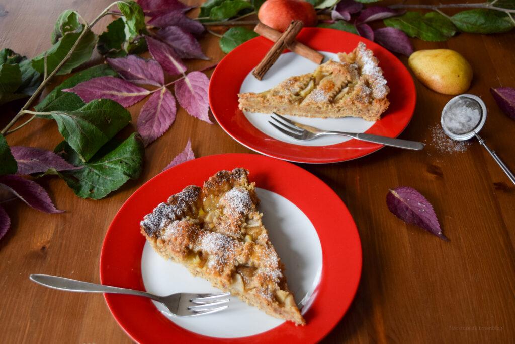 Fruchtige Linzertorte mit Birnen